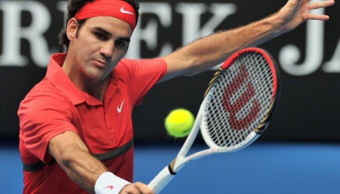 Четвертый титул Азаренко и новое достижение Федерера
