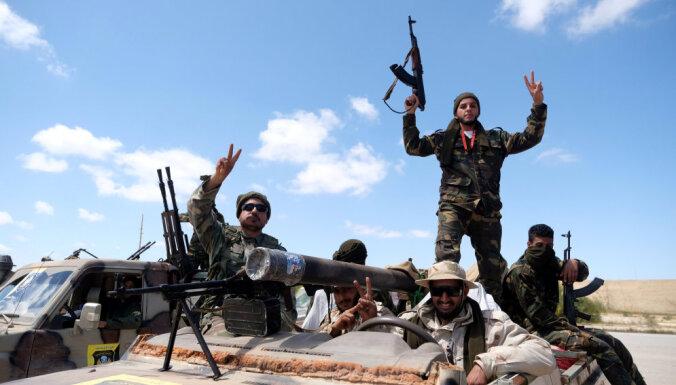 Наступление на Триполи: Запад эвакуирует своих граждан из Ливии