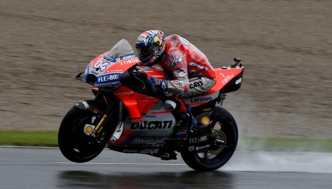 Dovicioso izcīna uzvaru noslēdzošajā 'MotoGP' Valensijas posmā