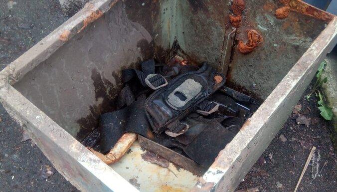 Ķekavas novadā atrod metāla seifu; policisti meklē īpašnieku