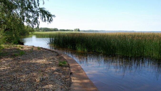 Iedzīvotāji iebilst pret aizliegumu brīvi pārvietoties Rāznas ezerā
