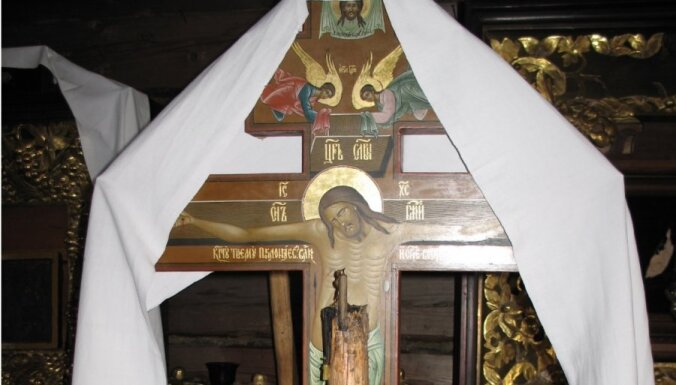 Rundēnu pagastā vecticībnieku baznīcā nozog simtgadīgu krustu