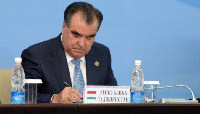 Tadžikistānas parlaments atbalsta Rahmona palikšanu prezidenta amatā uz mūžu