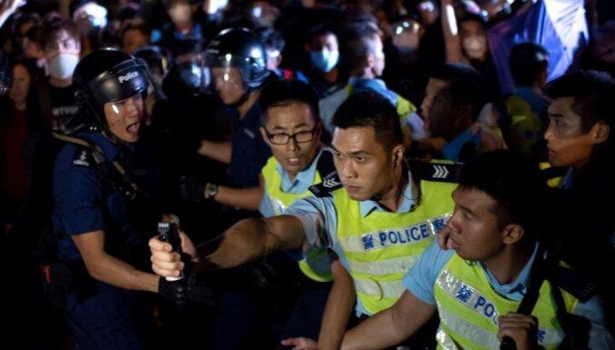 Аэропорт Гонконга отменил все рейсы до конца дня из-за протестов