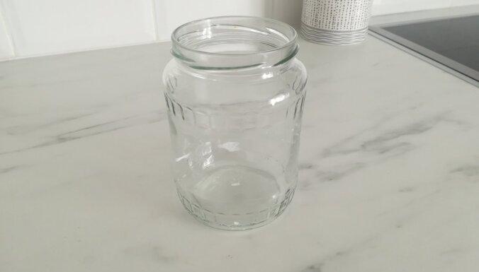 Dobeles novadā no dzīvoklī paslēptas stikla burkas nozog 1600 eiro
