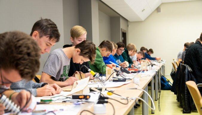 Noskaidroti labākie jaunie elektronikas lietpratēji