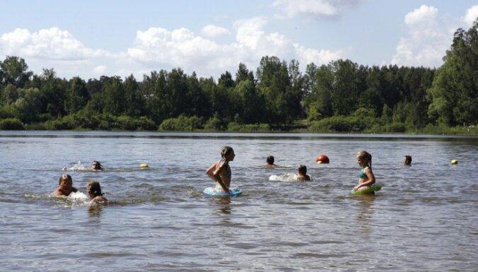 Вода в латвийских водоемах прогрелась до +17 градусов