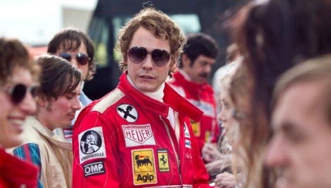 Filmas recenzija: 'Rush' - ne vien 'benzīngalvām', bet arī parastajam skatītājam