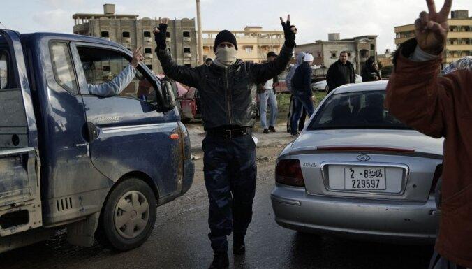 СМИ: Каддафи предали его сын и советник