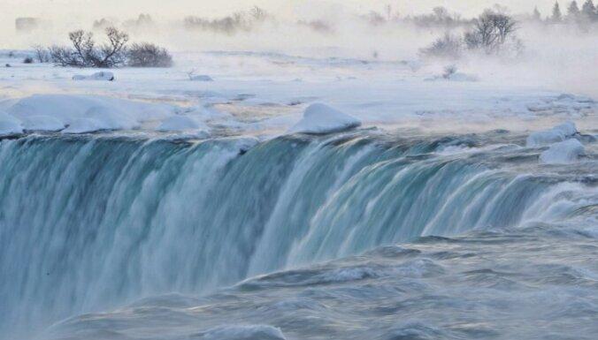 ВИДЕО: 18 ноября Ниагарский водопад вновь окрасят в цвета латвийского флага