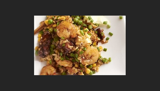 Жареный рис по-малазийски