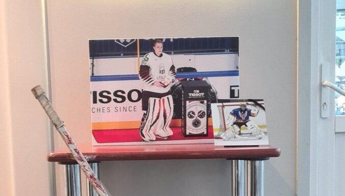 Hokeja federācija izveidojusi Matīsa Kivlenieka piemiņas stūrīti