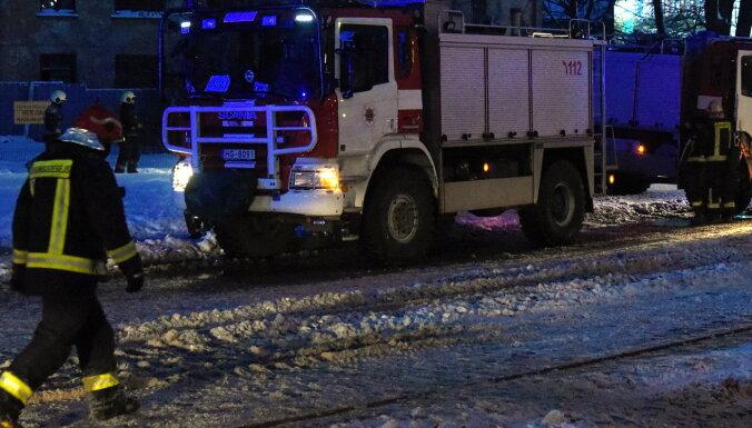 Trešdien ugunsgrēkā Bauskā izglābts cilvēks