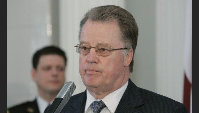 Ulmanis skeptisks par Latviju kā prezidentālu valsti