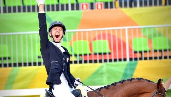 Наездник Сникус выиграл серебро в дисциплине вольного стиля на Паралимпиаде в Токио