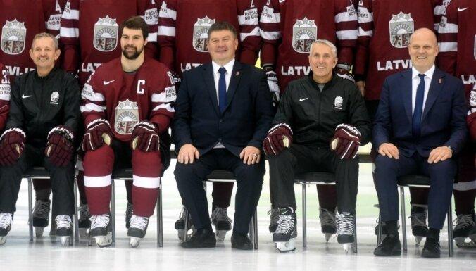Foto: Saki 'Siers'! Latvijas izlases fotosesija pasaules čempionātā