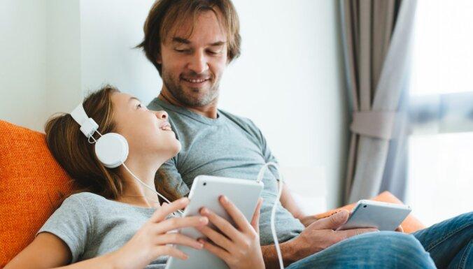 Trīs veidi, kā audzināšanas manierei jāmainās bērna pusaudžu vecumā
