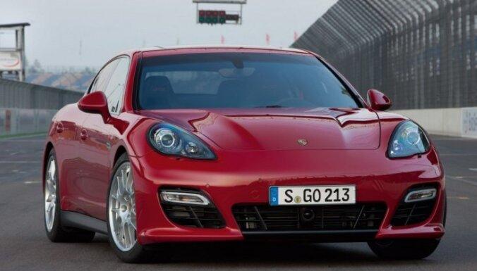 В Латвии не выросли продажи автомобилей класса люкс