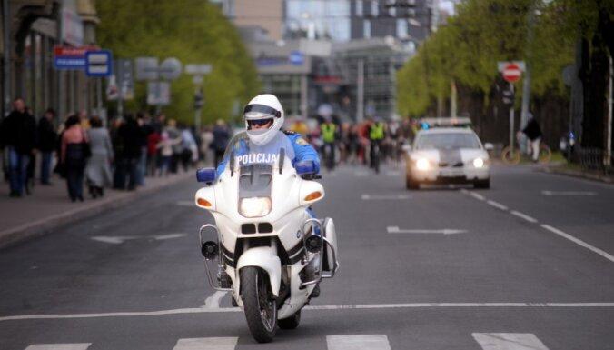 Policija satiksmes kontrolei atsākusi izmantot motociklus