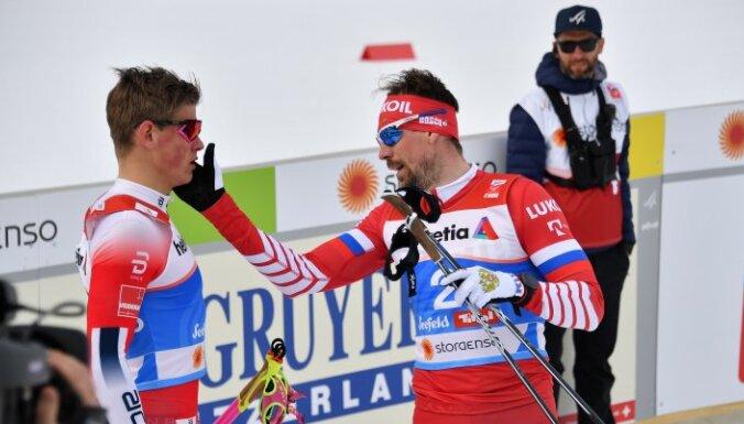 ВИДЕО: Устюгов едва не подрался с Клэбо после финиша, у России — бронза ЧМ в спринте