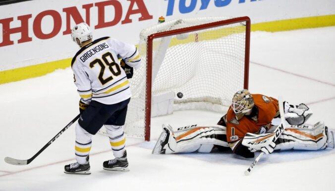 Buffalo Sabres Zemgus Girgensons vs Anaheim Ducks Jonathan Bernier