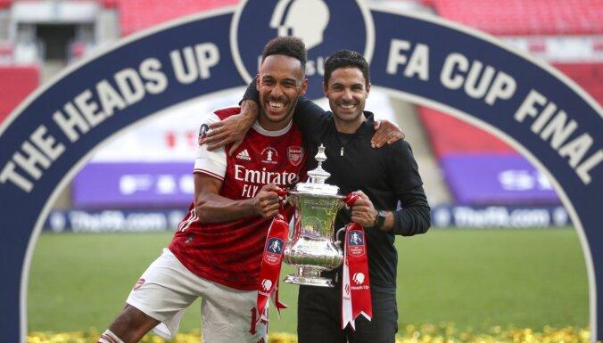 Obamejanga divi vārti nodrošina 'Arsenal' uzvaru FA kausa finālā