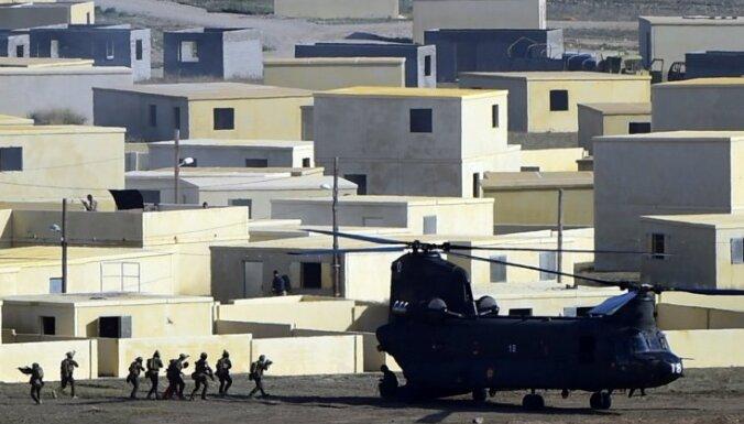 NATO negrasās sūtīt sauszemes spēkus pret 'Daesh', paziņo Veršbovs