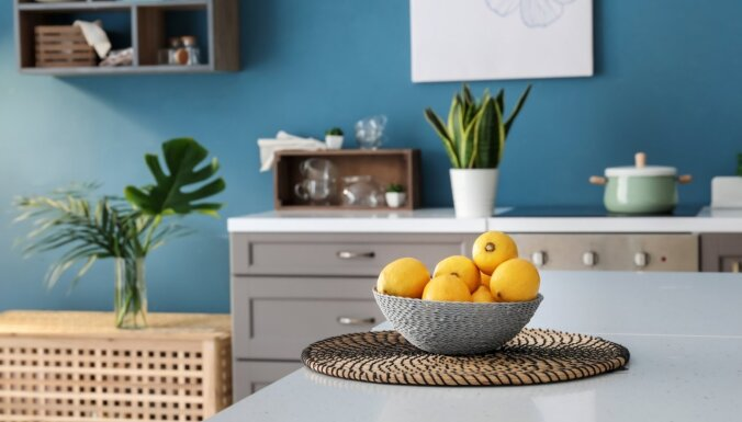 Piecas krāsu paletes, kas atsvaidzinās virtuves interjeru