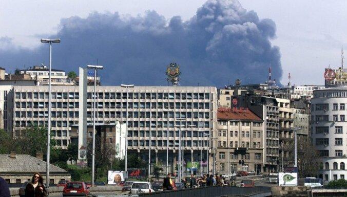 Zēmans atvainojas par NATO īstenoto bombardēšanu bijušajā Dienvidslāvijā
