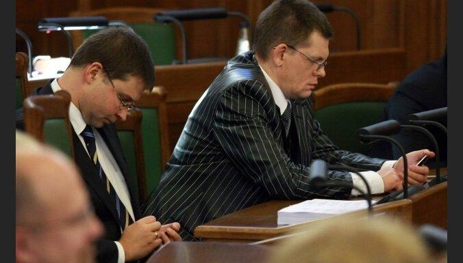 VK: valdības un FM lēmumi ļāvuši ignorēt taupības režīmu