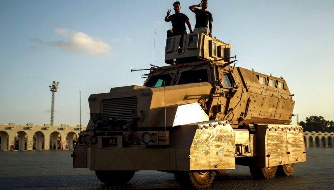 Lībijas valdība: no kaujas zonām tiek evakuēti simtiem krievu algotņu