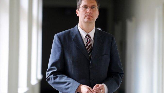 Bijušais Konkurences padomes vadītājs: MTG un 'Lattelecom' konfliktā saskatāms konkurences pārkāpumu risks