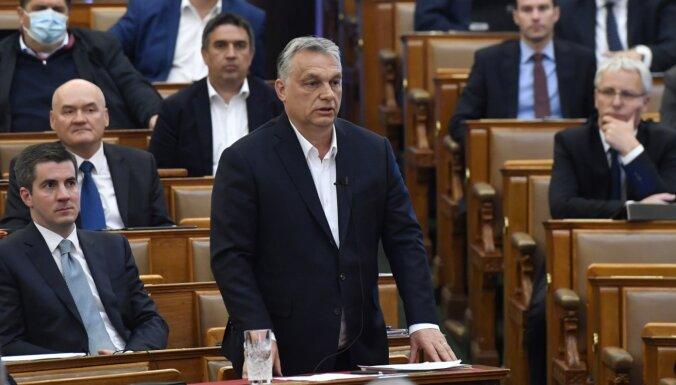 Apelējot pie Covid-19, Ungārijā Orbanam piešķir ārkārtas pilnvaras
