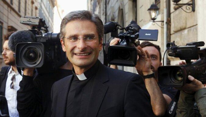 Священник фильм гей