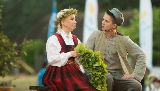 Rīgā ar īpašu izrādi svinēs 'Skroderdienas Silmačos' 115. jubileju