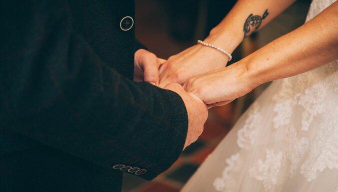 Vai vecums ir šķērslis mīlai? Pieredzes stāsti un mūžam aktuālās situācijas skaidrojumi