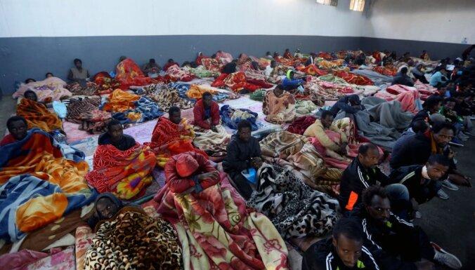 Vācija uzņems 50 no 450 Vidusjūrā izglābtajiem migrantiem