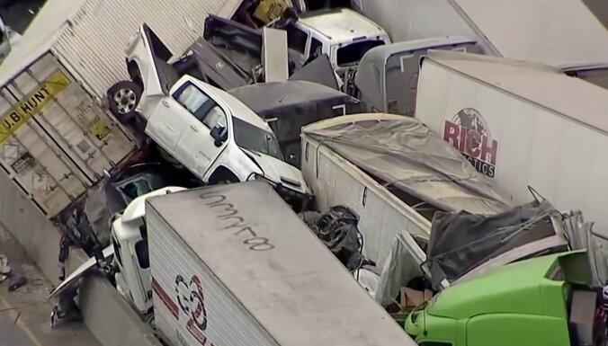 Пять человек погибли при столкновении более 100 машин в Техасе