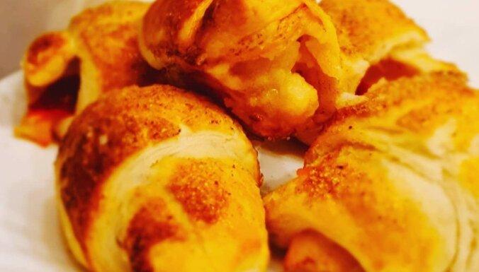 Rudenīgie ābolu pīrādziņi no bezrauga kārtainās mīklas