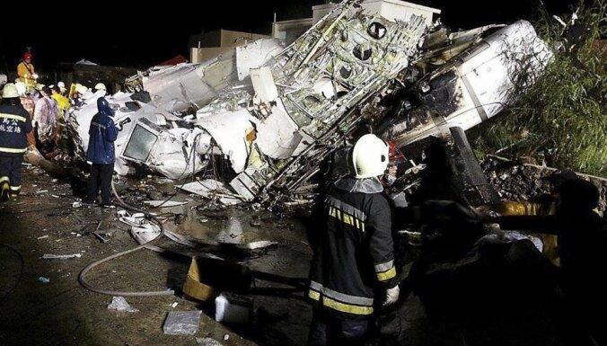 Lidmašīnas katastrofā Taivānā 47 bojāgājušie