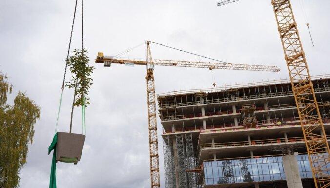 'Iestāda' pirmos kokus biroju kompleksā 'Verde'