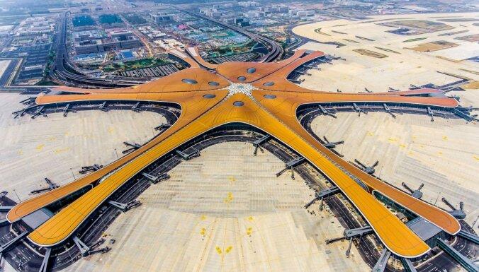 Foto: Atklāta jaunā Pekinas lidosta – futūristisks gigants