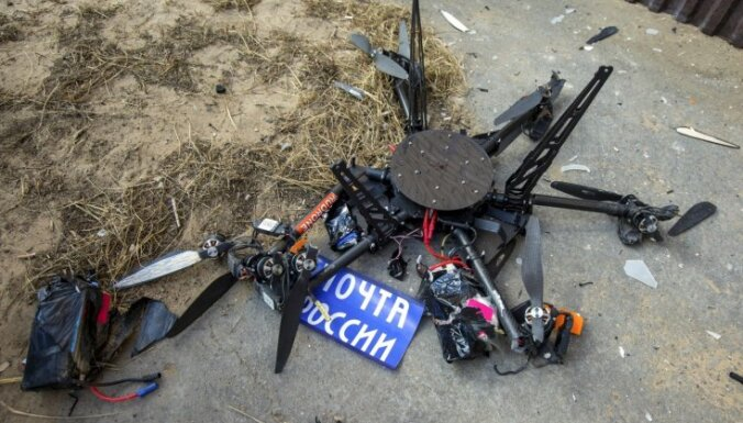 Video: Pirmajā lidojumā mājas sienā ietriecas 'Krievijas Pasta' piegādes drons
