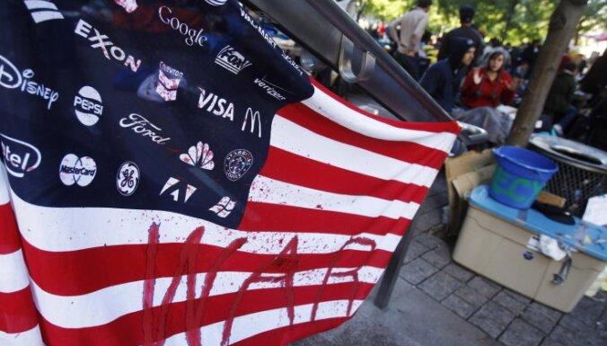 Kustībai 'Okupē Volstrītu!' saziedoti 300 000 dolāru