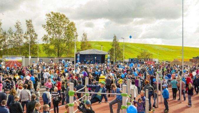 ФОТО: На открытие площадки спорта и отдыха возле горки на ул. Деглава пришли 10 000 человек