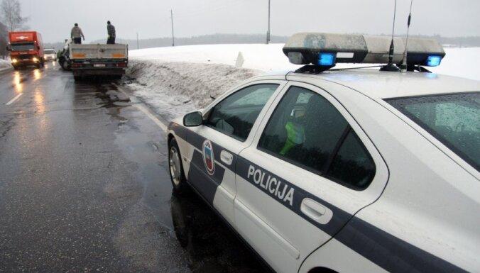 На дорогах перевернулись три машины: шестеро пострадавших
