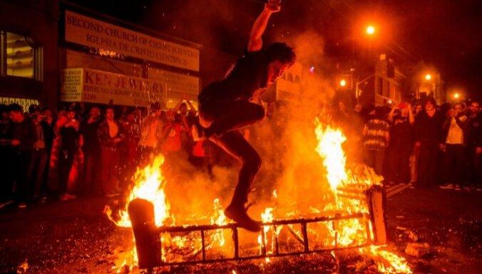 Почти 300 человек задержаны в Афинах после боев демонстрантов с полицией