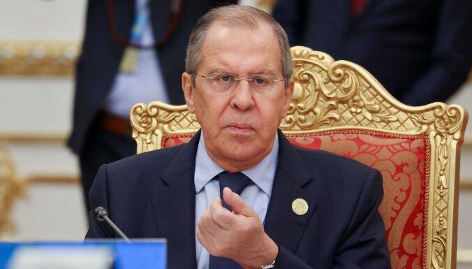 Publicēts pētījums par Krievijas ministra Lavrova sakariem ar kādu sievieti un oligarhu Deripasku