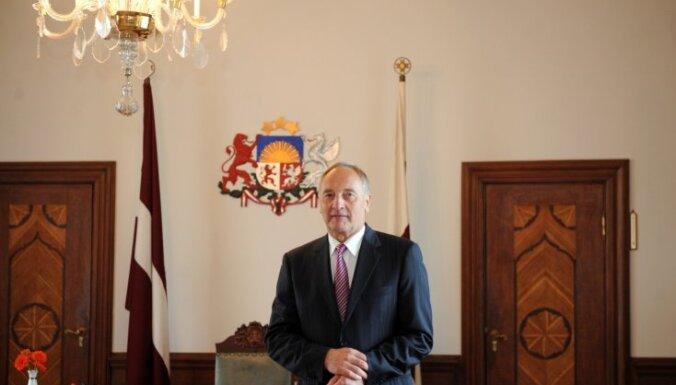 Президент начнет переговоры с партиями 28 сентября