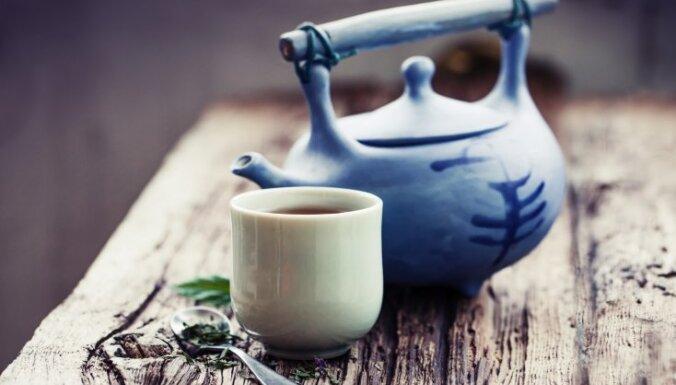Sasildāmies novembrī: ieteikumi un recepte garšīgai tējai